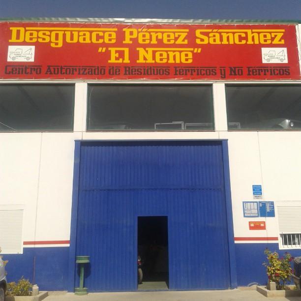 http://desguaceperezsanchez.es/wp-content/uploads/2017/01/1157680_10200831068512370_1886830642_n.jpg